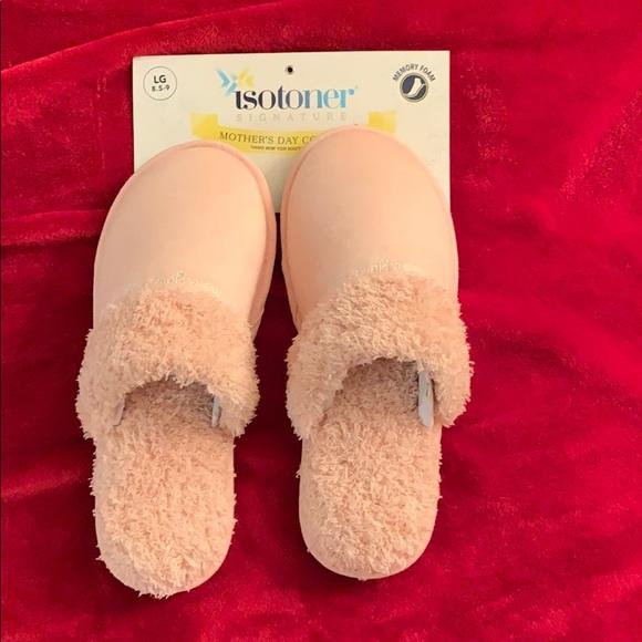 Isotoner Womens Slippers